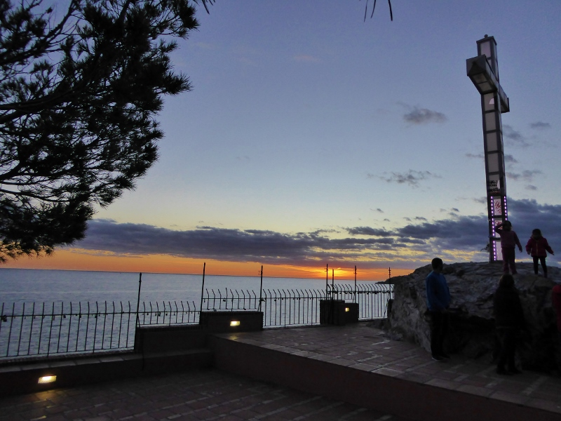 Peñones del Santo is a natural monument with the addition of illuminated cross. Climb to the top for vast views of town and Almuñécar Granada beaches.Read more on Almunecarinfo.com