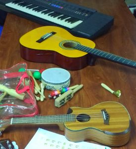 Are you looking for music classes in Almuñécar? Juanfran is the teacher for you! He is a licensed teacher from the University of Granada and has years of experience in the arts and providing music lessons to students of all ages.