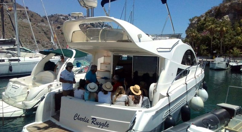 Luxury boat charters from Marina del Este! Catamaran or party boat with Sun, Sea, Swimming, Sailing, Drinks, Snacks, & Water toys!