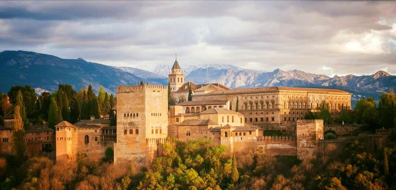 Granada and the Alhambra Enjoy one of thesebus tours from Almuñécar. With amazing day excursions to choose from, as well as a guided tour when youarrive or explore on your own.