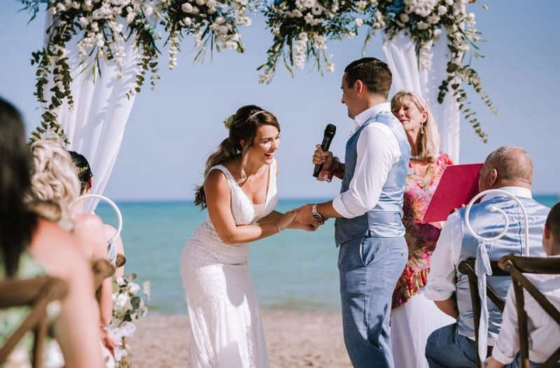 it's a destination wedding in Spain on the beach! Read more on Almunecarinfo.com
